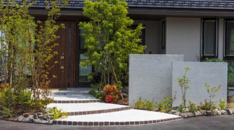 【実例】玄関まわりの植栽